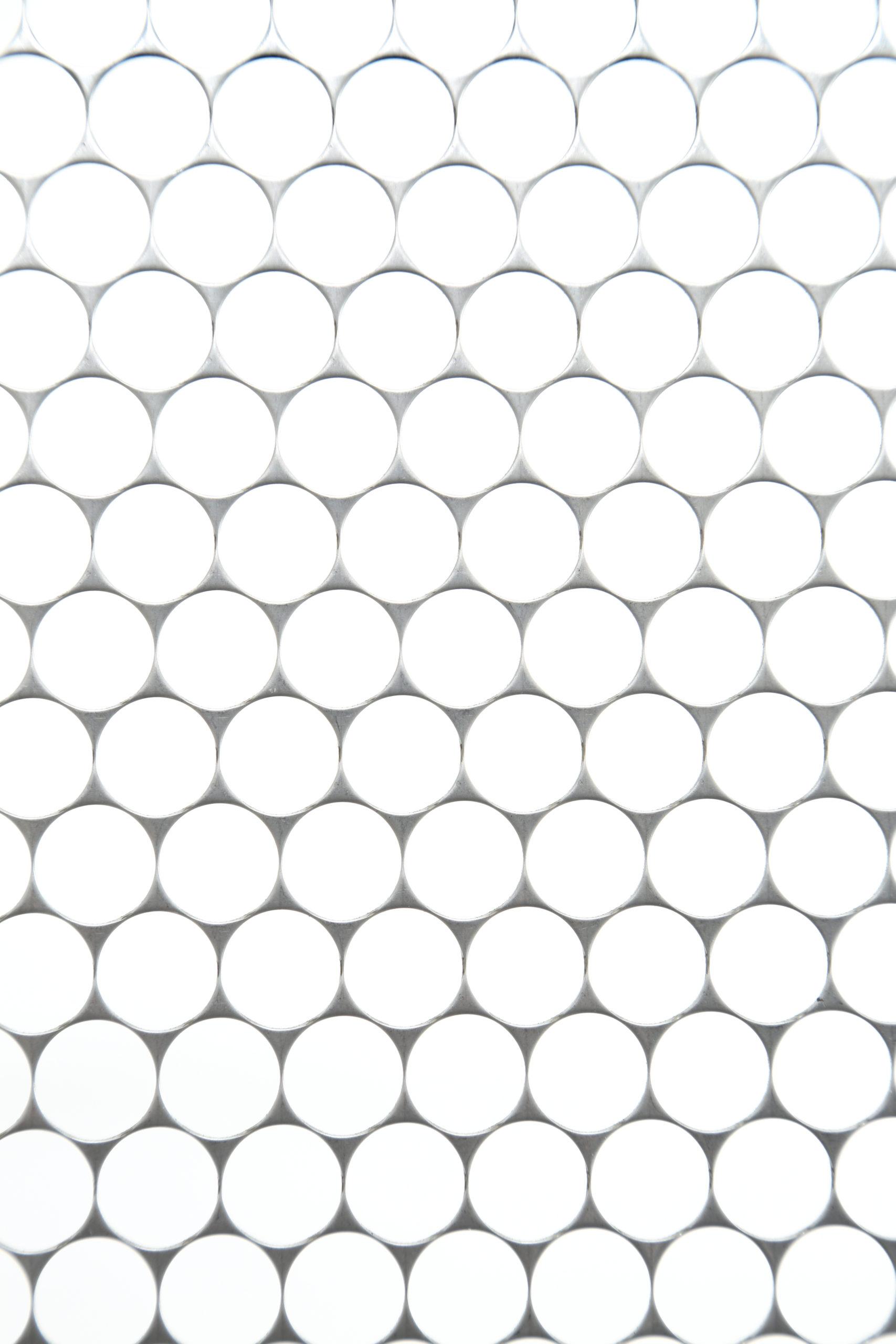 SUS 304-2B t1.0 丸孔 D15×P15.5 60°チドリ 開口率:84.8%
