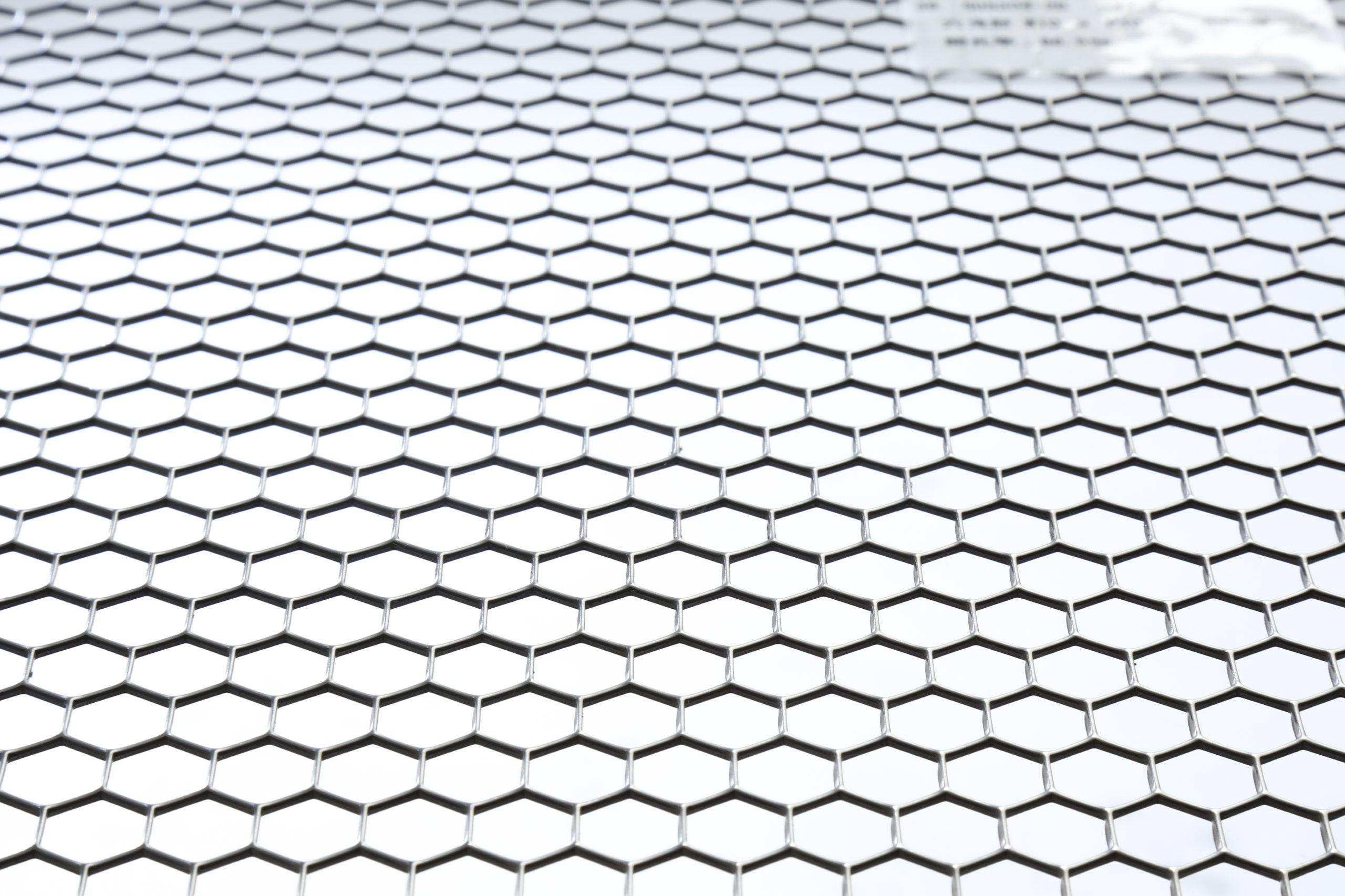 SUS 304-2B t1.5 六角形 W10×P10.75 60°チドリ 開口率:86.5%